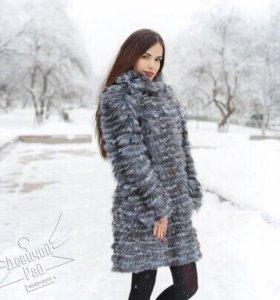 Пальто из чернобурки на трикотаже