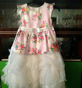 Нарядное платье для девочки рост 122 см
