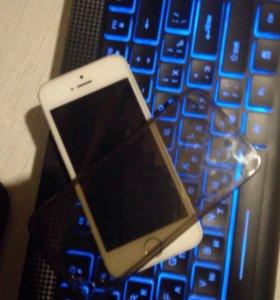 Продам iPhone 5 Возможен обмен с моей доплатой