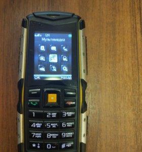 Водонепроницаемый противоударный телефон