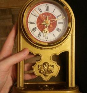 Часы Янтарь настольные СССР без батарейки