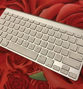 Apple A1314 Wireless Keyboard White Bluetooth