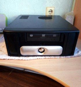 Системный блок-десктоп с блоком питания и DVD