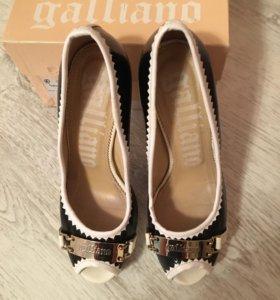 Туфельки Galliano 8125