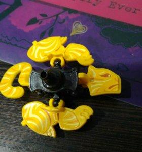 Игрушка из киндер яйца.