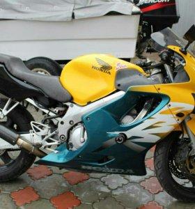 HONDA CBR600 R4