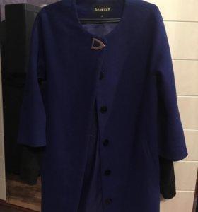 Пальто прямое неприталенное