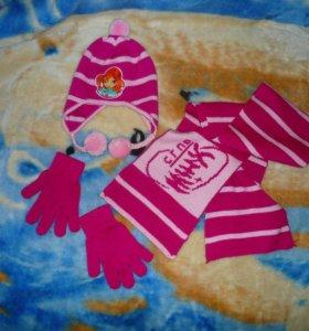 Продам комплект шапка шарф перчатки для девочки