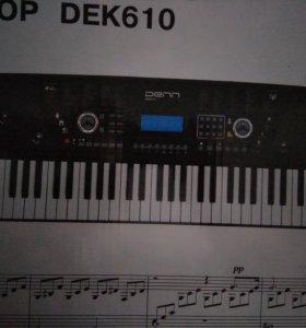 Синтезатор/пианино/ Denn dek610