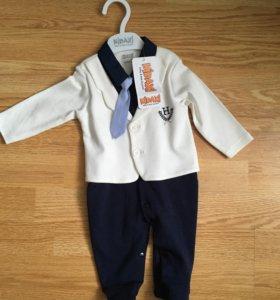 Новый костюм на малыша