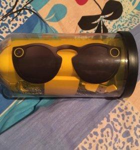 Snapchat очки со встроенной камерой.
