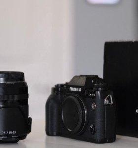FujiFilm X-T1 Kit / 18-55 + доп. хват + фильтры