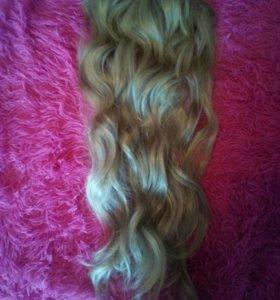 Волосы (пряди) на заколках