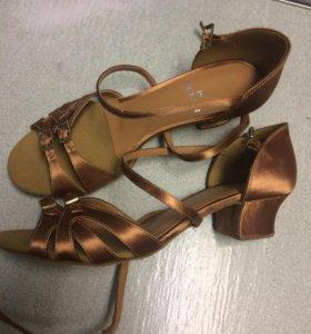 Туфли для танцев  38-39 размер