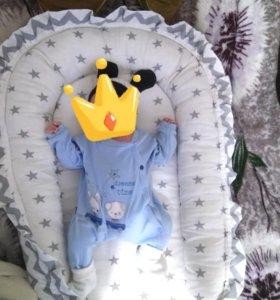 матрас для круглой кроватки и кокон для новорождё
