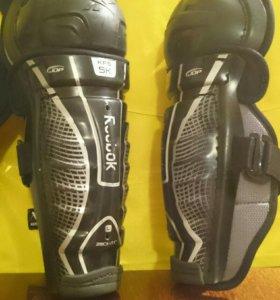 Наколенники хоккейные щитки Reebok 5K  Jr 11/28cm
