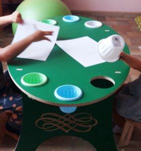 Столик для детского творчества