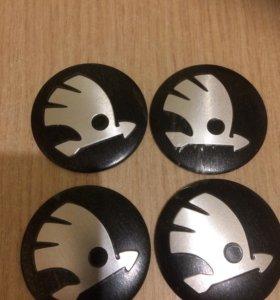 Наклейки на колпачки для литых дисков Шкода.