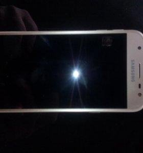 Телефон Самсунг j 3