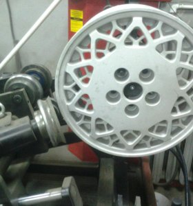 Прокат и ремонт стальных и литых дисков