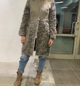 Пальто со вставками меха козлика