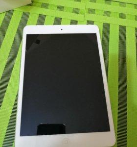 iPad mini with retina 16gb wifi+Cell Silver
