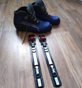 Лыжные ботинки с креплением