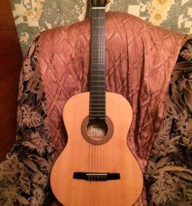 Гитара HOHNER HC 06 с чехлом
