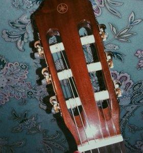 Акустическая гитара YAMAHA