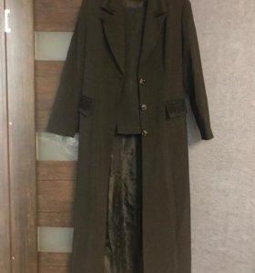 Костюм(пальто и брюки)