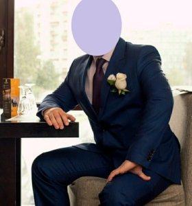 Элегантный свадебный костюм Cacharel