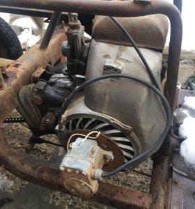 Двигатель и редуктор для мотороллера муравей