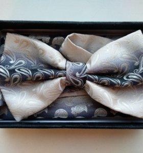 Галстук-бабочка и платок для нагрудного кармана