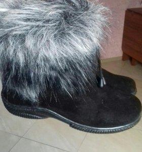 Сапоги зимние 39 размер одевались один раз