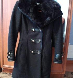 Женское пальто 42 размера.в хорошем состоянии.