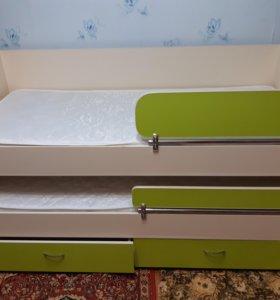 Деткая двух ярусная выдвижная кровать