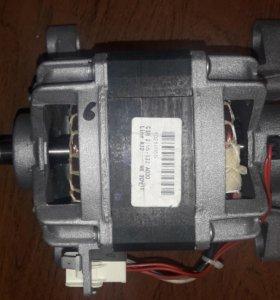 Двигатель стиральной машинки Ariston