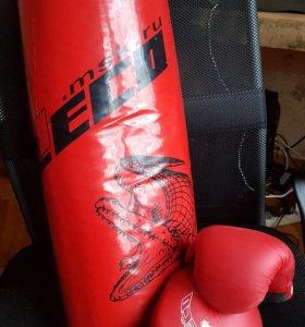 Груша боксерская с перчатками