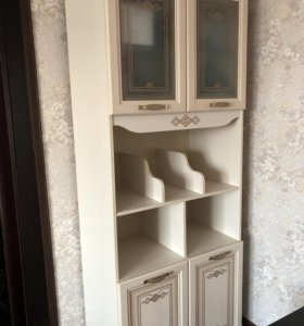 Книжный шкаф от детской