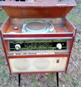 Радиола Ригонда 60х годов СССР