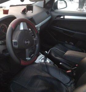 Opel Astra, 2010