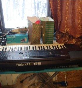 Синтезатор Roland E86