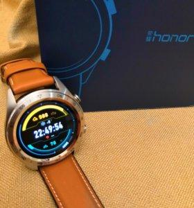 Смарт часы Honor Watch Magic