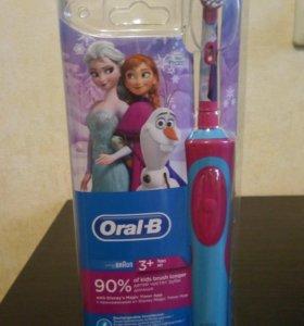 Новая зубная щетка