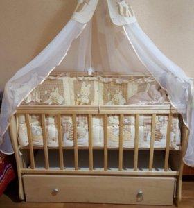 Срочно продаю Детскую кроватку полный комплект