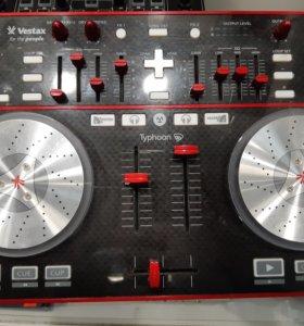 DJ Контроллер Vestax Typhoon