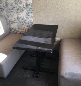 Стол деревянный и два дивана