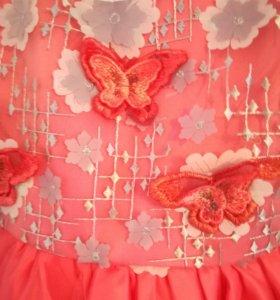 Новое нарядное платье 104р