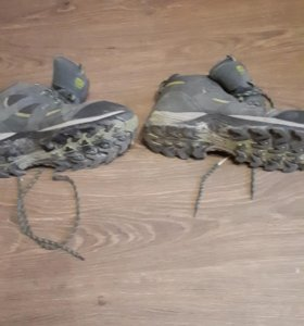 Обувь кроссовки б/у