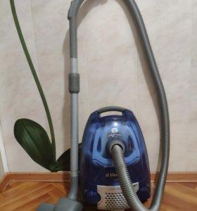 Пылесос Electrolux Air max